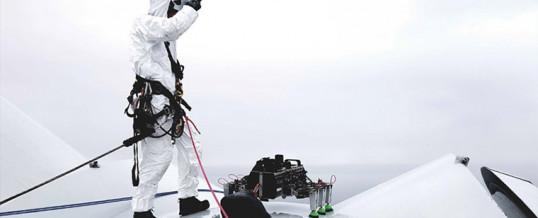 Primer robot araña del mundo que camina sobre una turbina eólica marina