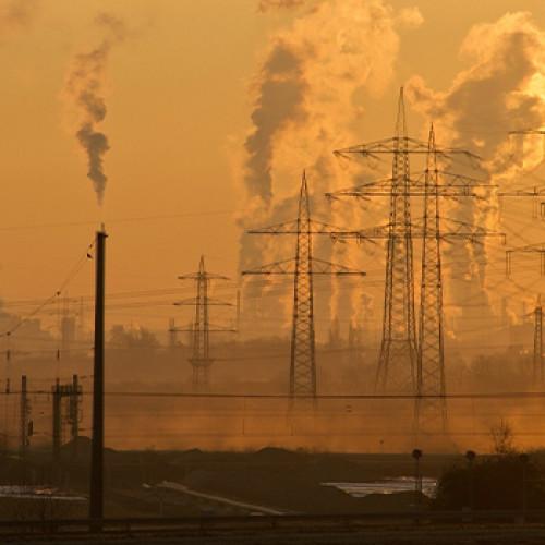 La energía eléctrica en España contrajo un 5,6% en 2020 por el Covid